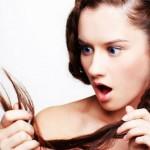 Opadanje kose kod žena – 12 uzroka i lek