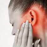 Bol u uhu mogući uzroci i lečenje