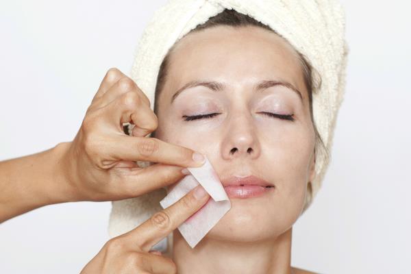 depilacija lica postupak