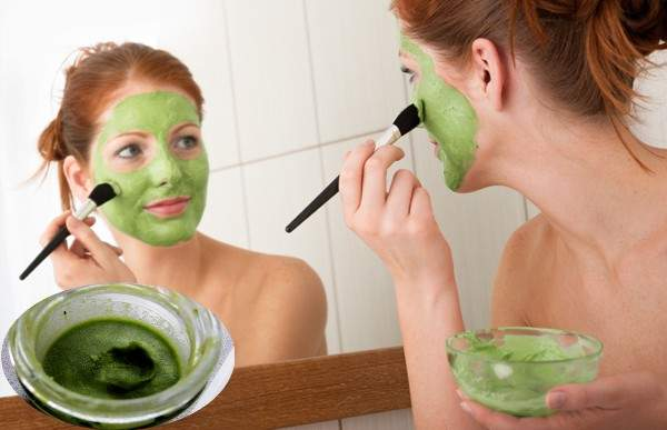 maska za lice sa zelenim cajem