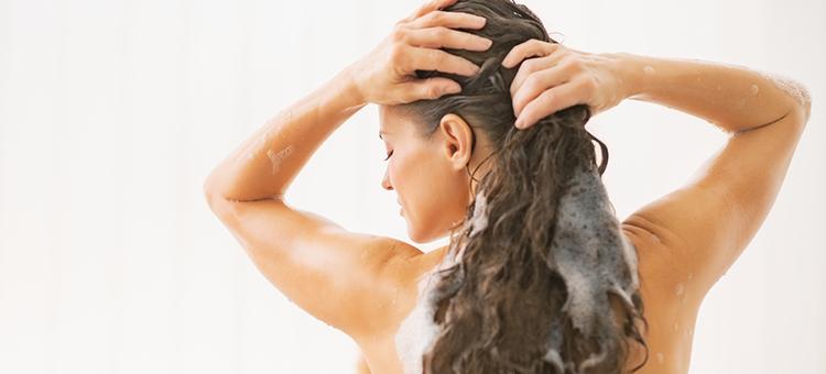 soda bikarbona za masnu kosu